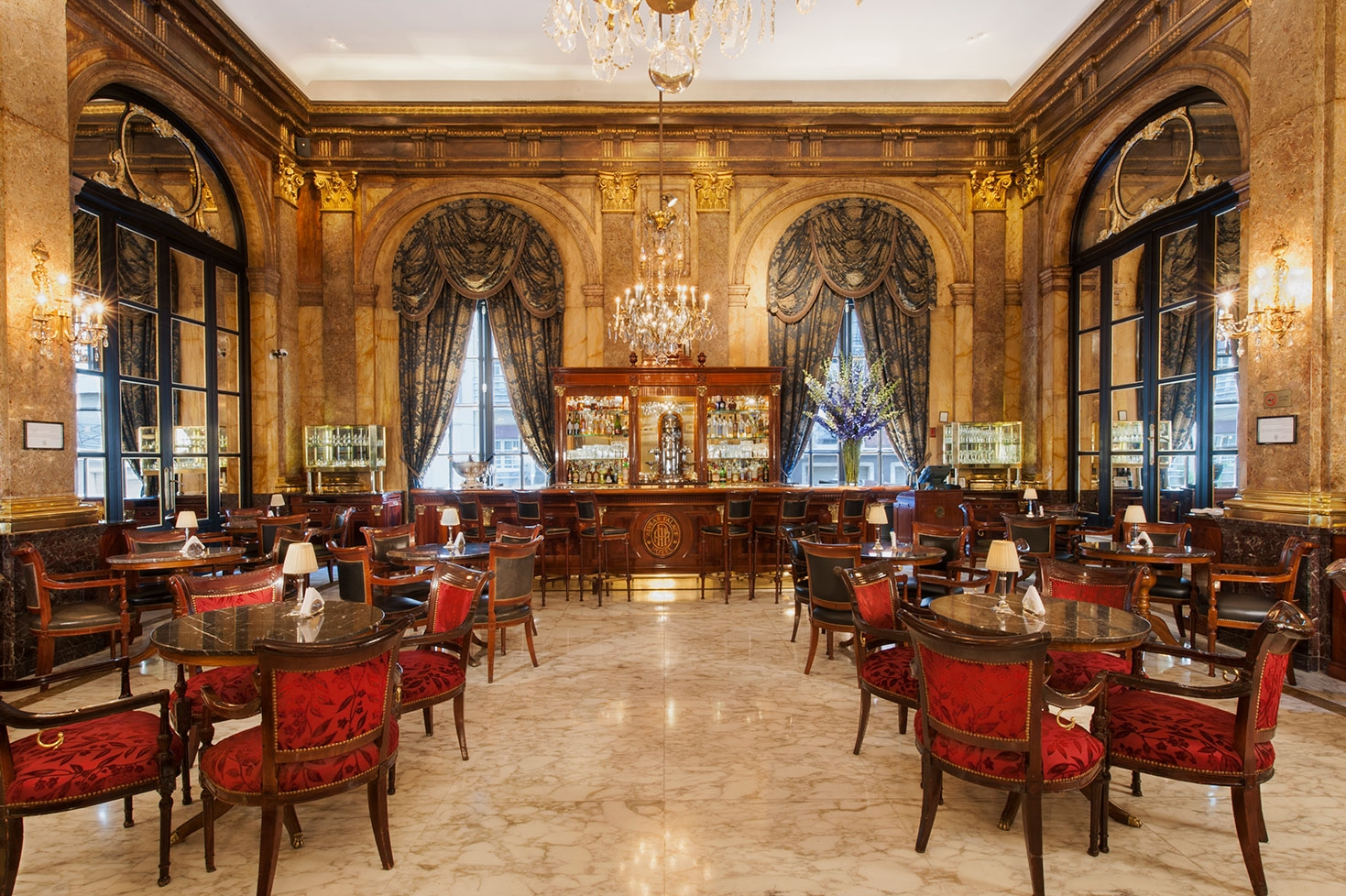 lobby-bar--galerias-website-2.jpg