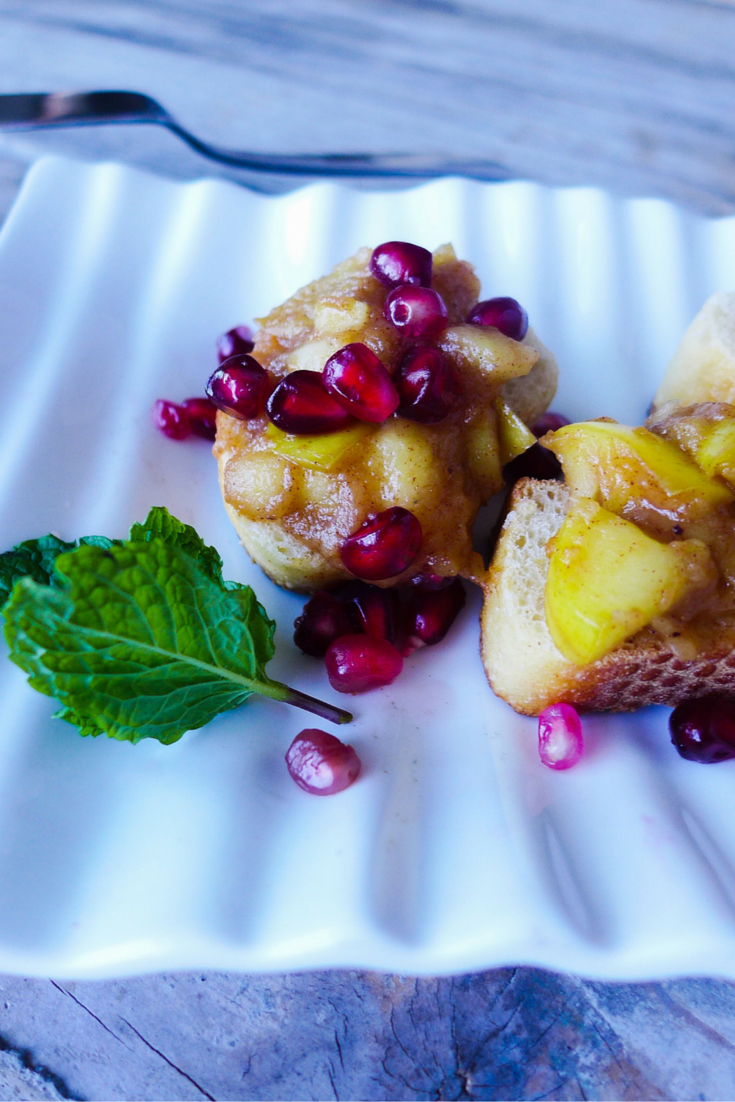 Apple-Jam-Pomegranate-Crostini.jpg