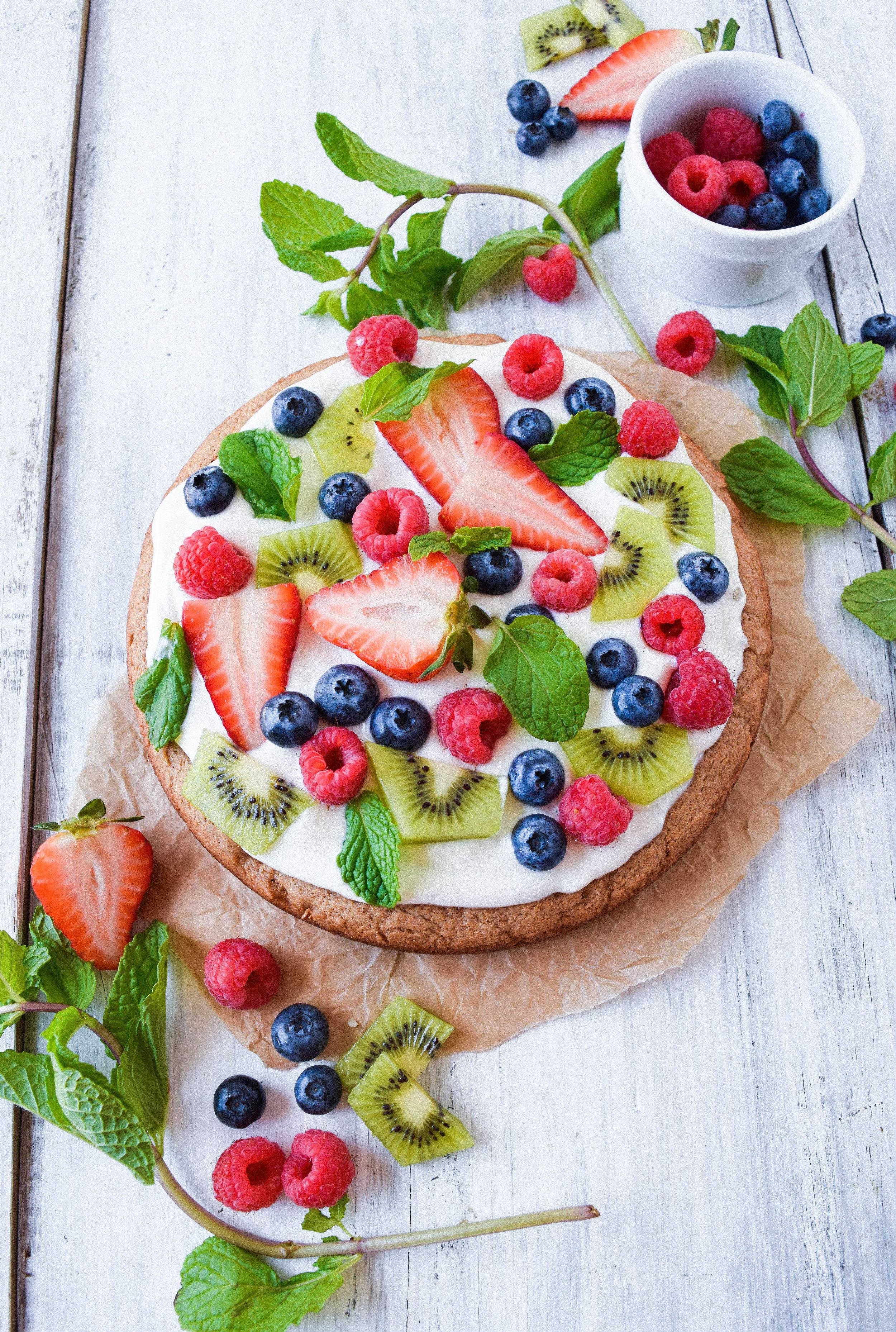vegan-healthy-sugar-cookie-fresh-fruit-tart.jpg