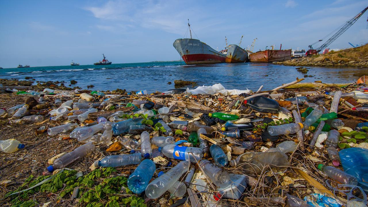 Plastics ocean.jpg