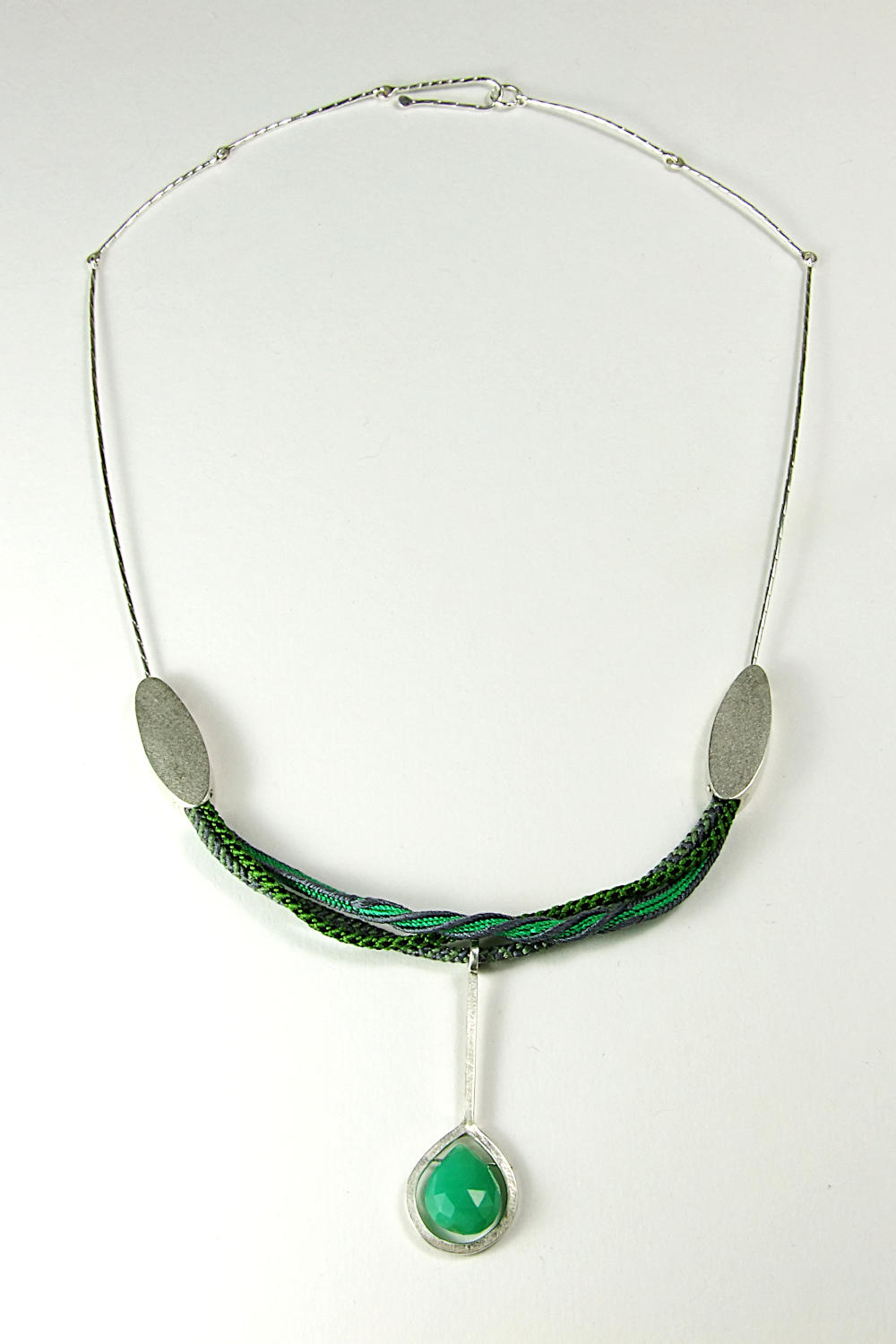 Full view of necklace.