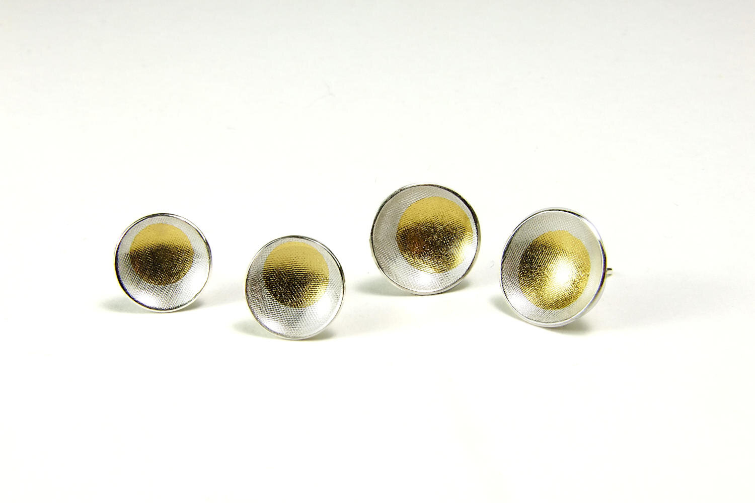round-domed-silver-gold-earstuds-hbm94ab-7793.JPG