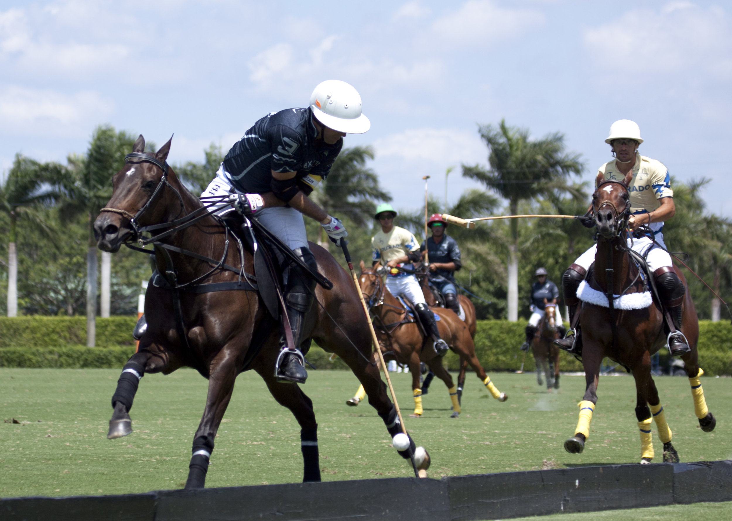 Gonzalito Pieres of Flexjet works the boards with his near side shot.