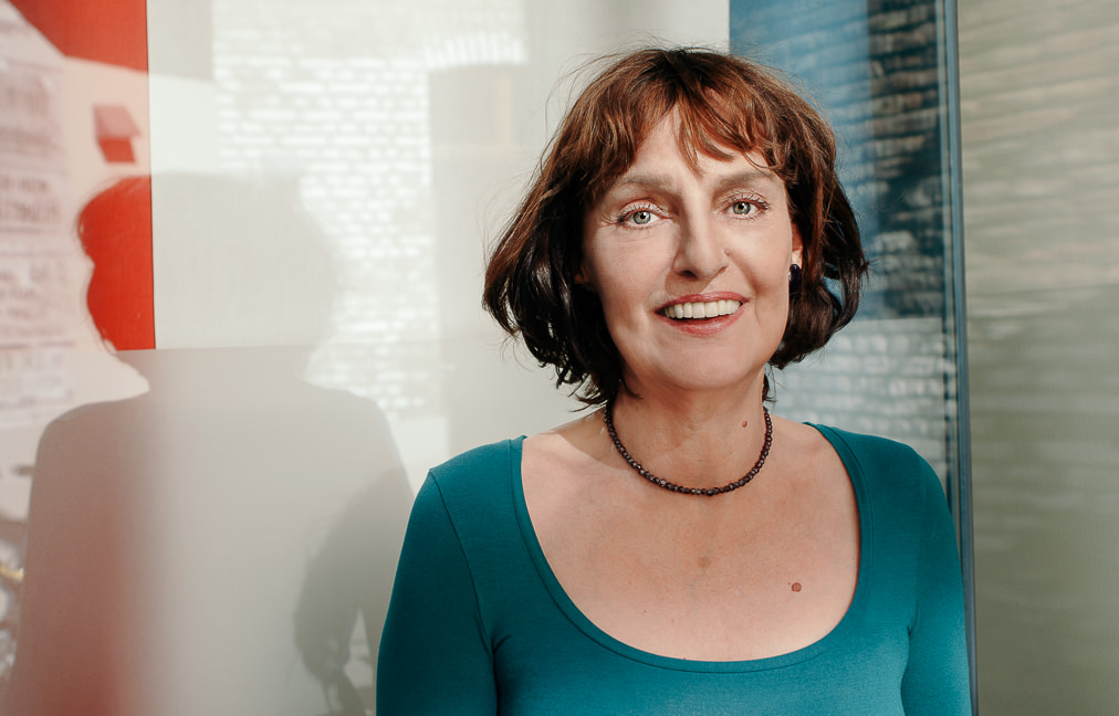 Anja-Kempe-Journalistin-ARD-Portrait-2015.jpg