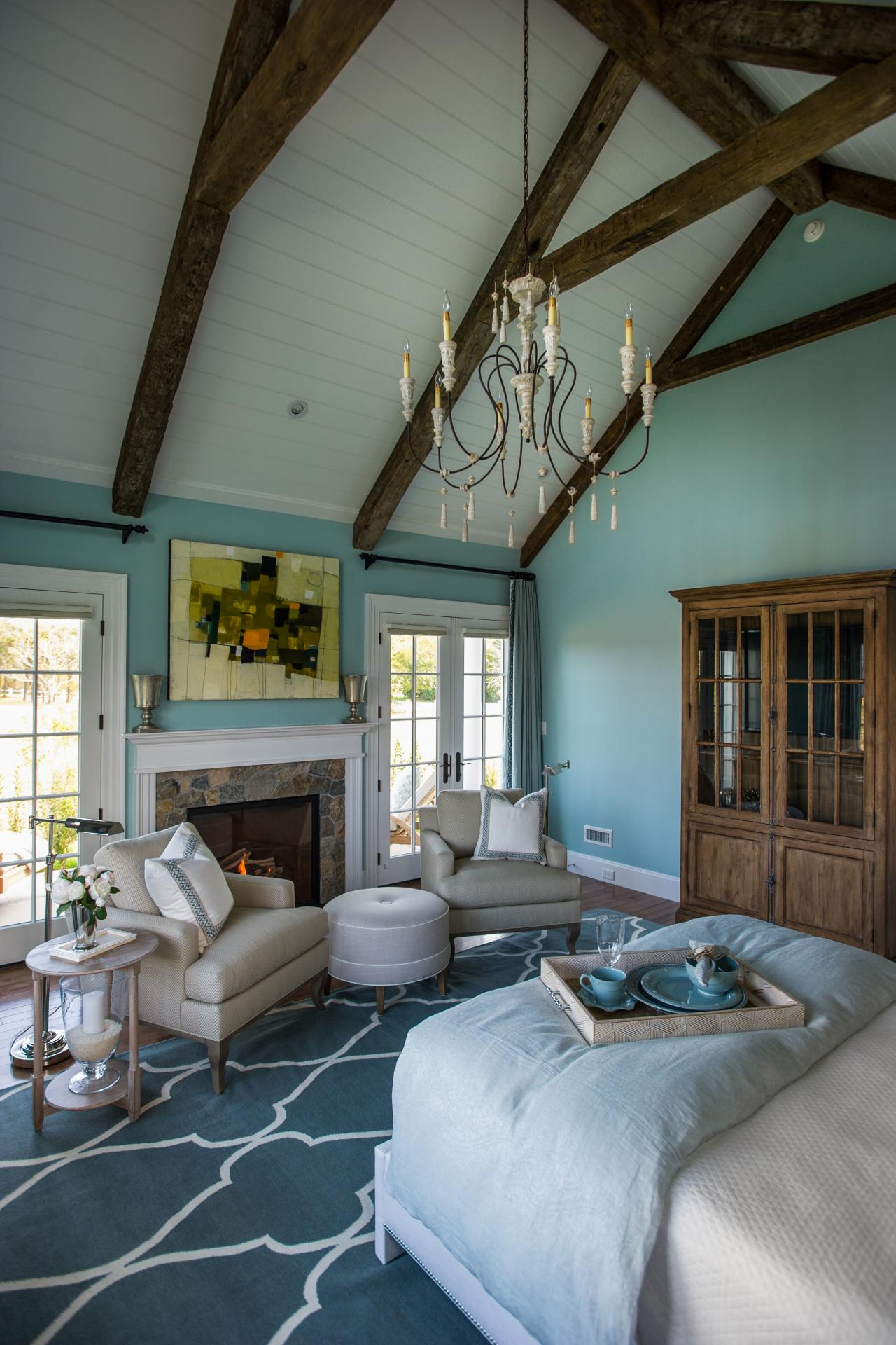 dh2015_master-bedroom_chandelier-hangs-from-cathedral-ceiling_v.jpg.rend.hgtvcom.1280.1920.jpeg