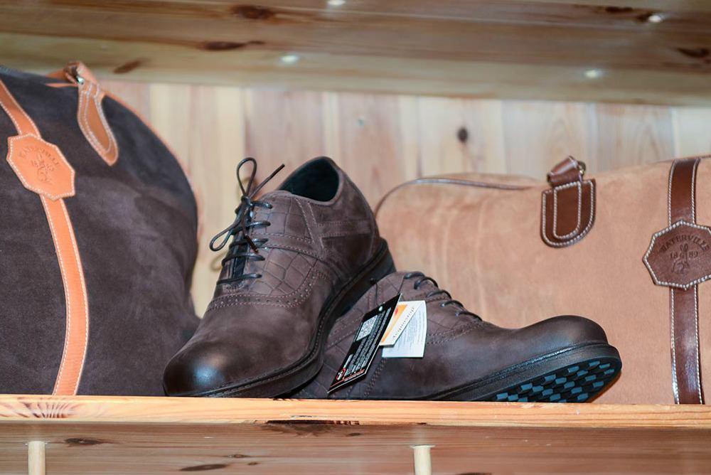 Waterville_Links_Golf_Shop_Shoes.jpg