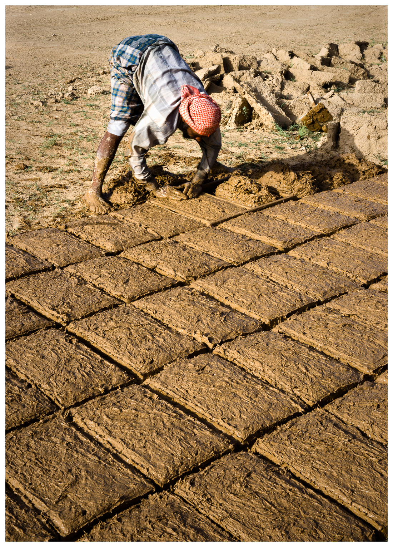 17Wadi Hadhramaut Brick Maker_DSC4893.jpg
