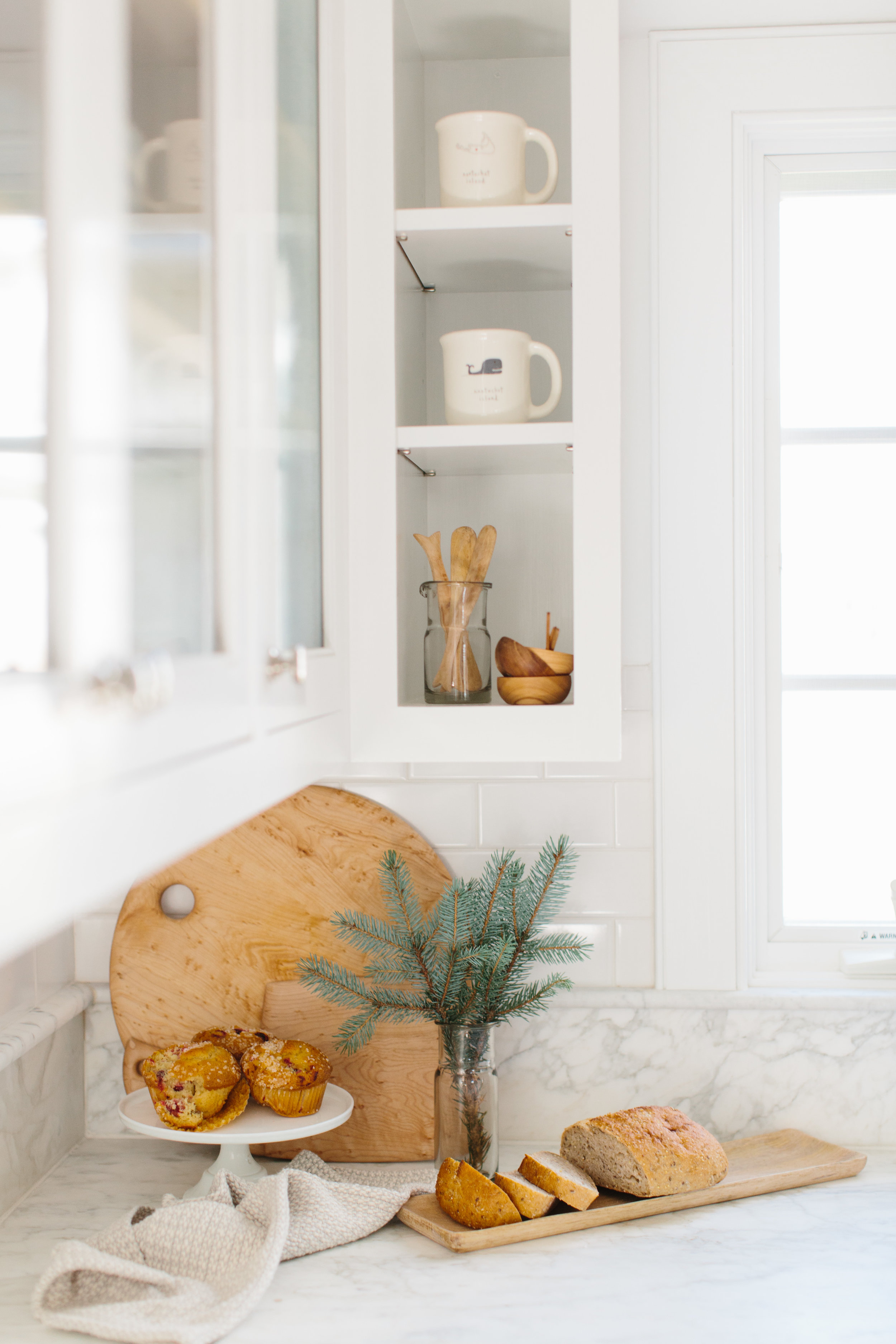 Nantucket Dream Home Holiday Decor Styling: Abby Capalbo | Photo: Erin McGinn