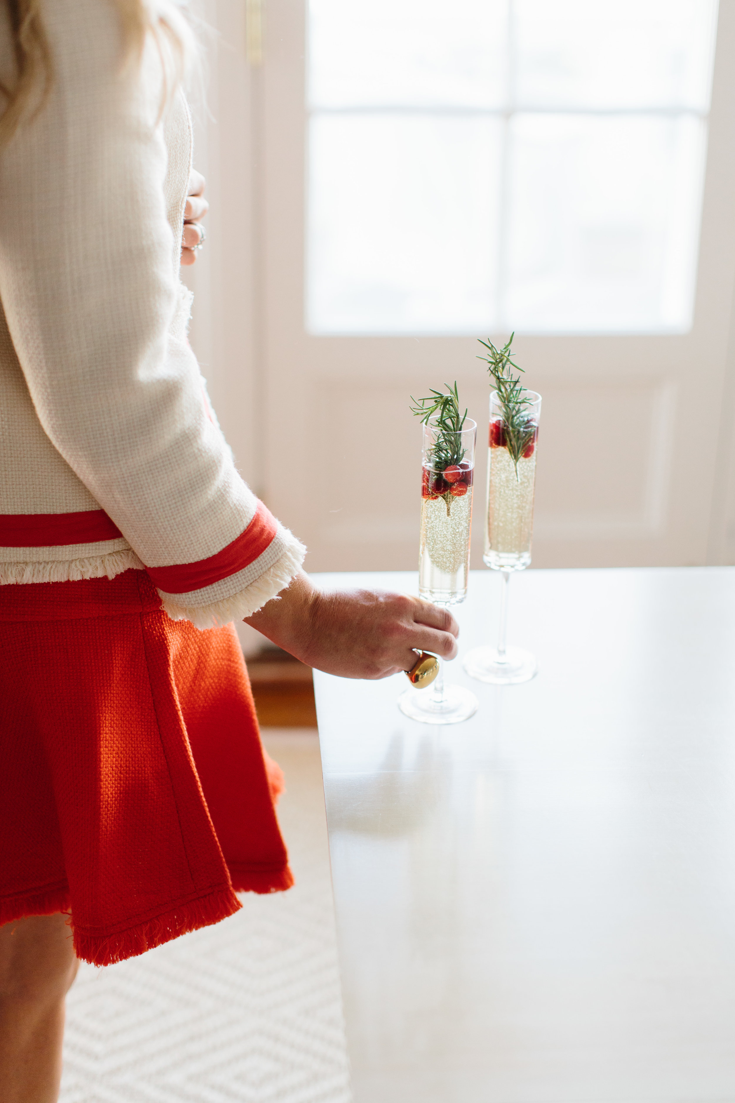 Easy Holiday Cocktails with Champagne from @abbycapalbo   photo: @erinmcginn