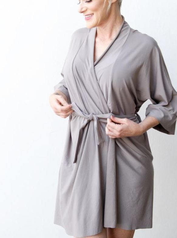 AnaOno Robes