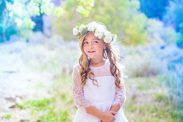 Snapped some photos of this beautiful 8 year old! She was so photogenic!! 🙌🏻🙌🏻🙌🏻 #stephaniehitchinsphoto #baptism #utah #photography