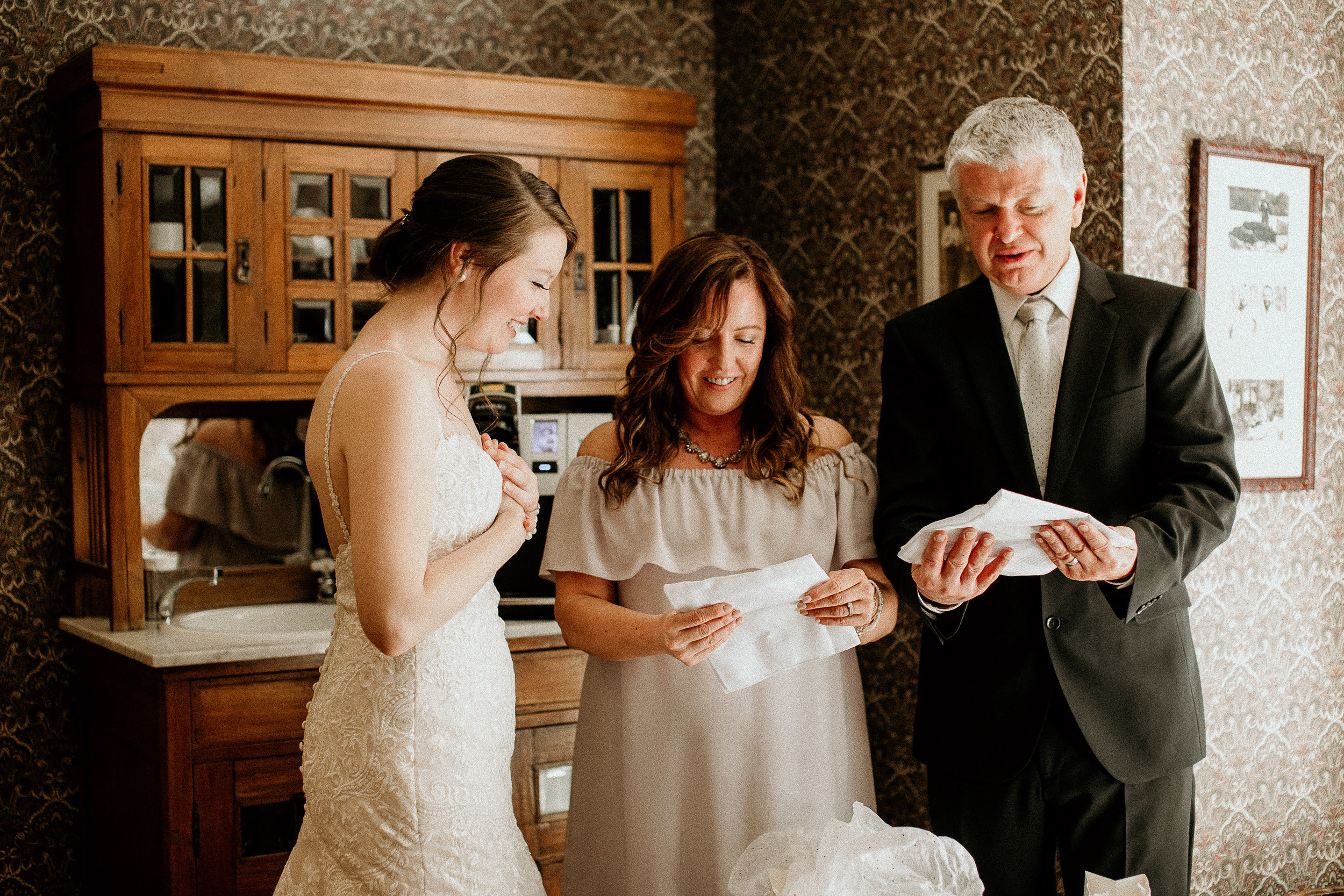 S&C Wedding Day Preview-44.jpg
