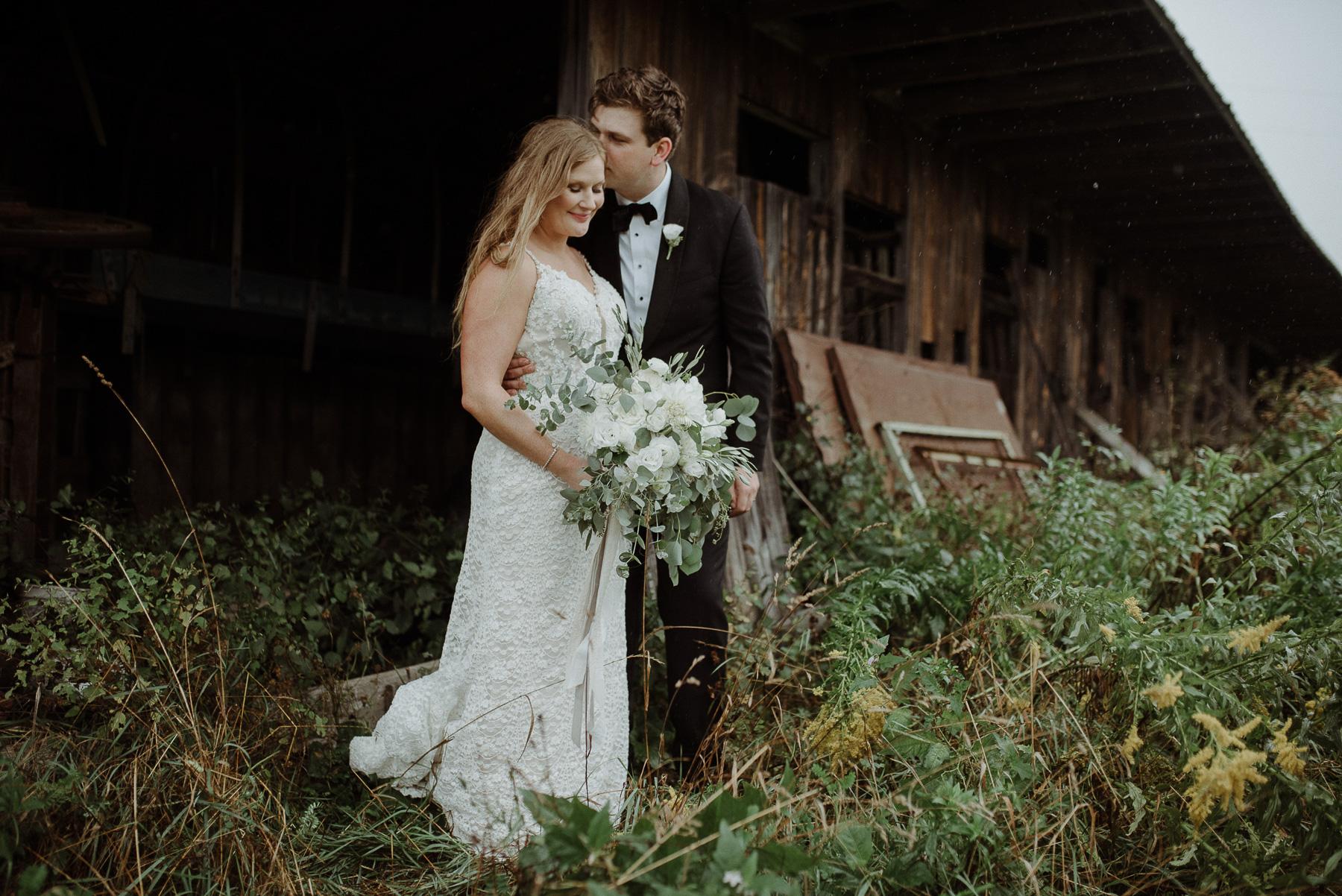 enowen-wedding-photography-overlook-barn-hurricane-wedding