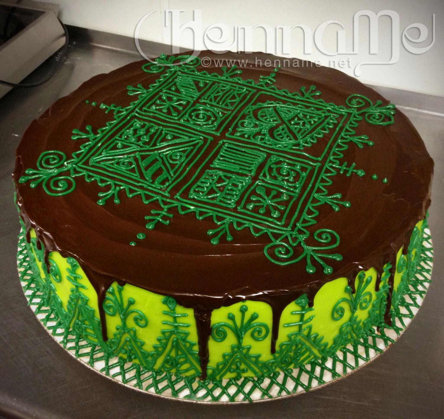 Vanilla buttercream, chocolate ganache and chocolate cake