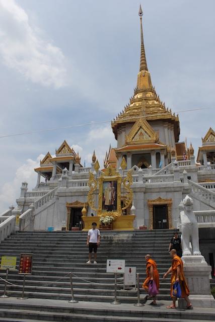 Wat Traimit on Yaowarat Road