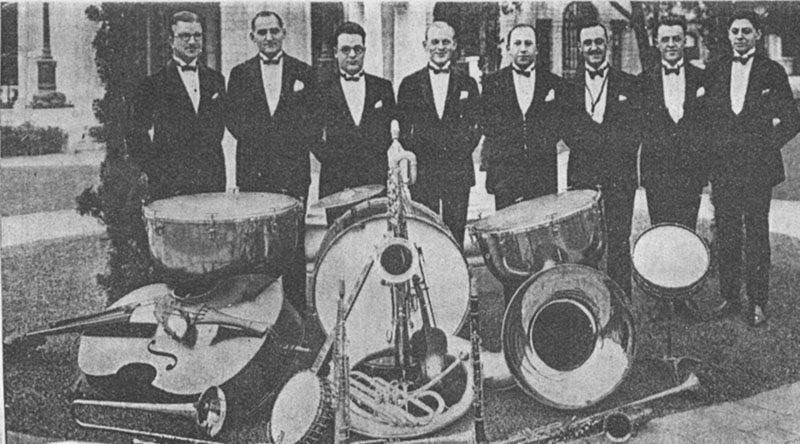 Whitey Smith (center) and his orchestra