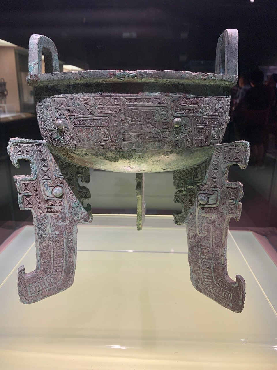 Flat-legged Ding Food Vessel with Dragon Design, Late Shang (13-11th c BC)