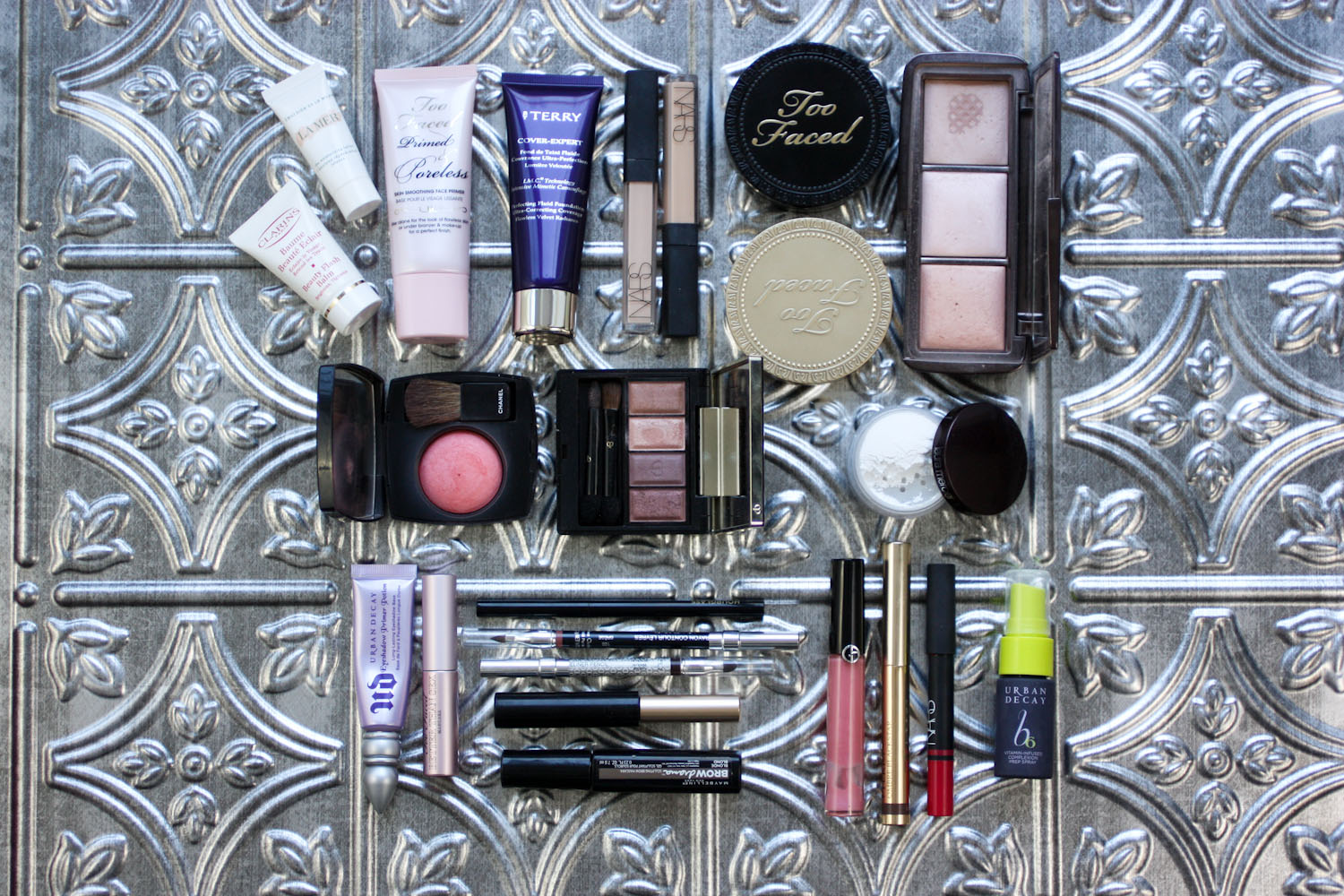 How to pack your makeup for a long weekend away!