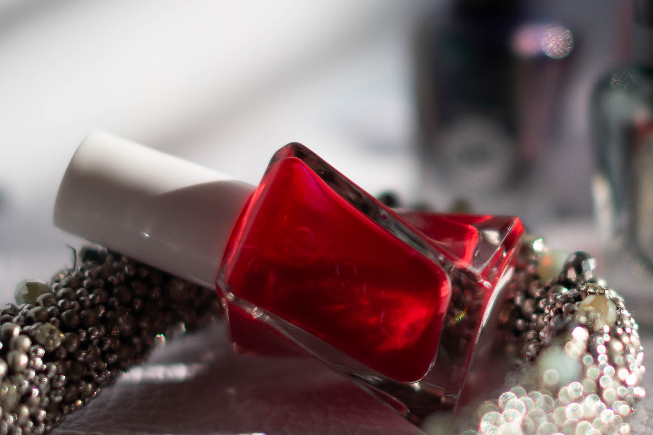 essie gel couture red