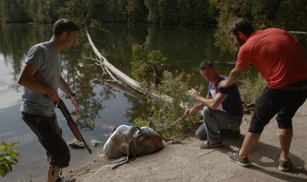 A Gita-Spawn washes up on the lake shore in GITASKOG.