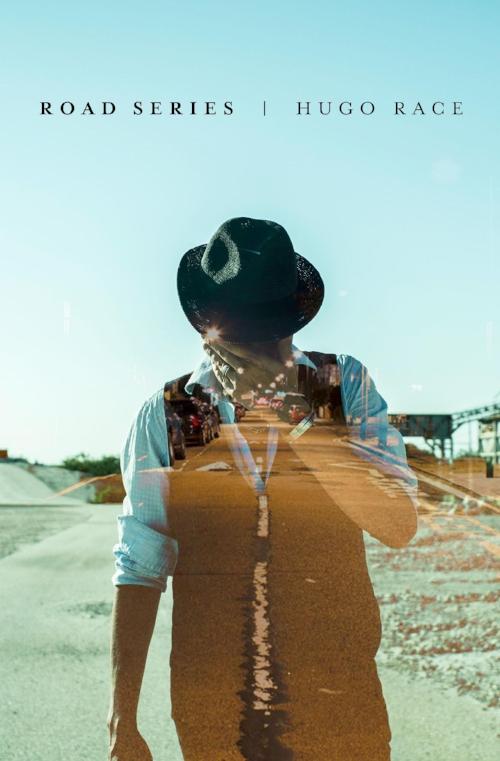 """Hugo Race er en produktiv visjonær - utøvende artist, musiker, forfatter og produsent.Opprinnelig fra Melbourne, Australia, har Hugos kreative reise gitt ham status som 'verdensborger,' etter å ha levd i løpet av de siste 25 årene i Italia, Frankrike, Tyskland, Storbritannia og USA. Låtskrivingsprosessen hans inspireres av alt i fra pop-kultur og rock n' roll til soul til delta-blues samt avant-garde elektroniske lydbilder.  En av grunnleggerne av bandet  Nick Cave & The Bad Seeds  (han dukker opp på debuten, """"From Her to Eternity"""" , også på flere andre Bad Seed skiver og diverse samleplater),Hugo deretter grunnla det australske art-punk kultbandet  The Wreckery (1985).  Hugo Races nåværende utgivelser er """"24 Hours To Nowhere"""" (LP), """"Fatalists"""" (EP) og albumet """"We Never Had Control"""" (2013), ble spilt inn i lag med italienerne Sacri Cuori, og lansert via Hugos australsk label  Rough Velvet Records og de internasjonale partnere  Interbang Records (  Italia) og  Gusstaff Records (Polen) .  Etter de internasjonalt anerkjente skivene """"BKO"""" og """"Troubles"""" av  Dirtmusic  (innspilt i Mali, Afrika og utgitt av Glitterhouse Records i 2010) , lanserte Hugo og  Chris Eckman enda en Dirtmusic album som heter """"Lion City"""" (også spilt inn i Bamako, Mali) via  Glitterbeat i mars 2014.  Tidlig i 2013 kom også den etterlengtede tredje utgaven av den italienske prosjektet  Sepiatone , ('Echoes On'through Rough Velvet / Interbang Records) .  Andre nye utgivelser inkluderer   Fatalists  (2010), den elektro-akustisk instrumental  Between Hemispheres (Gusstaff Records / MGM), og den fransk / USA 'alt-country'skiva """"Felt"""", skapt av  16 Horsepowers  bassist  Pascal Humbert via musikkprosjektet  Lilium , (Glitterhouse, Tyskland) .  Med sin trans-kontinentale kollektiv  The True Spirit og hans svært ulike produksjoner og samarbeid, forbipasserer Hugo Race enkle musikksjangler og har etablert en unik og personlig kreativ territorium."""