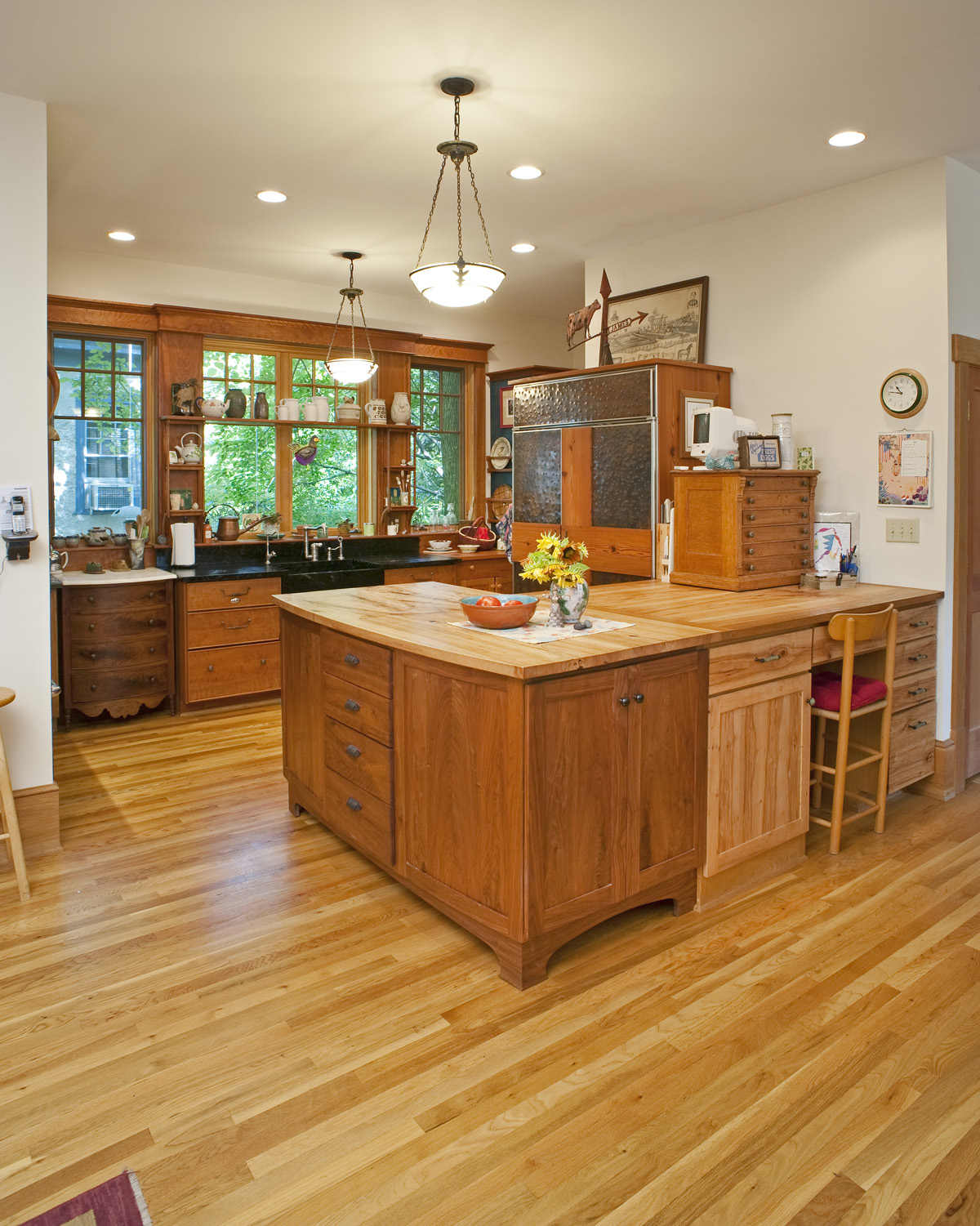 eclectic-kitchen-cabinets.jpg