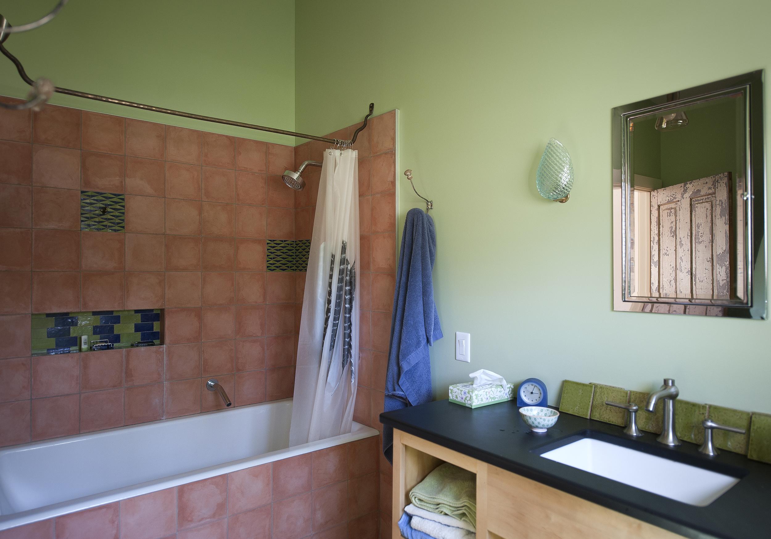 Bathroom-tub-rod.jpg