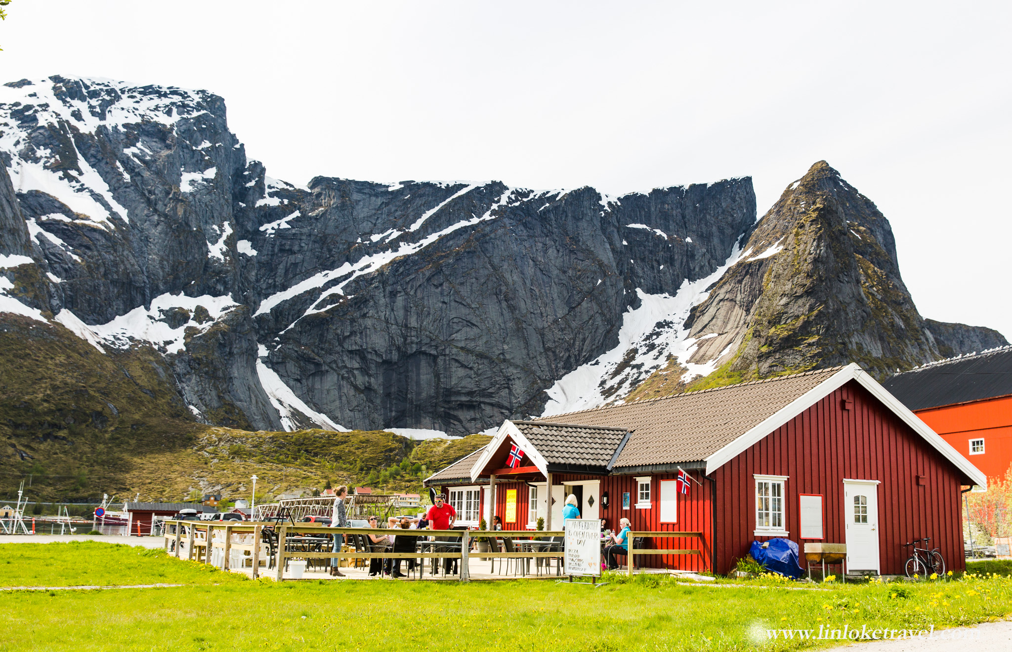 Reine Village Centre; mountain backdrop