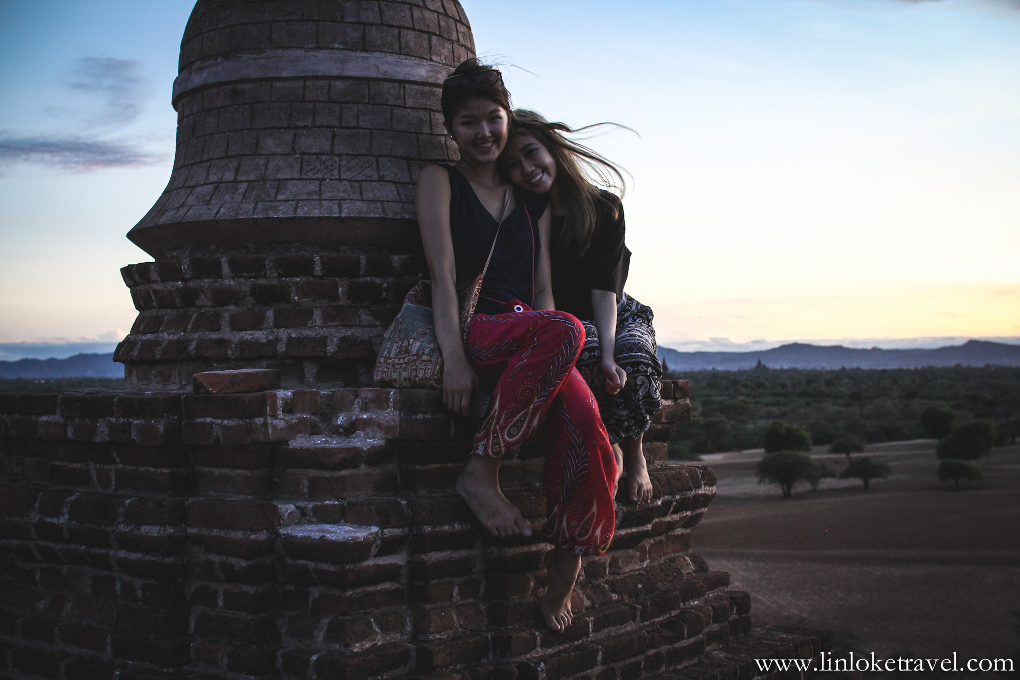 Traveling in Bagan with my bestie, Bao, prior to the pagoda-climbing ban.