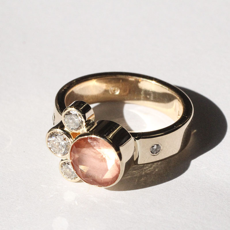 Elaine B Jewelry gold ring with diamonds
