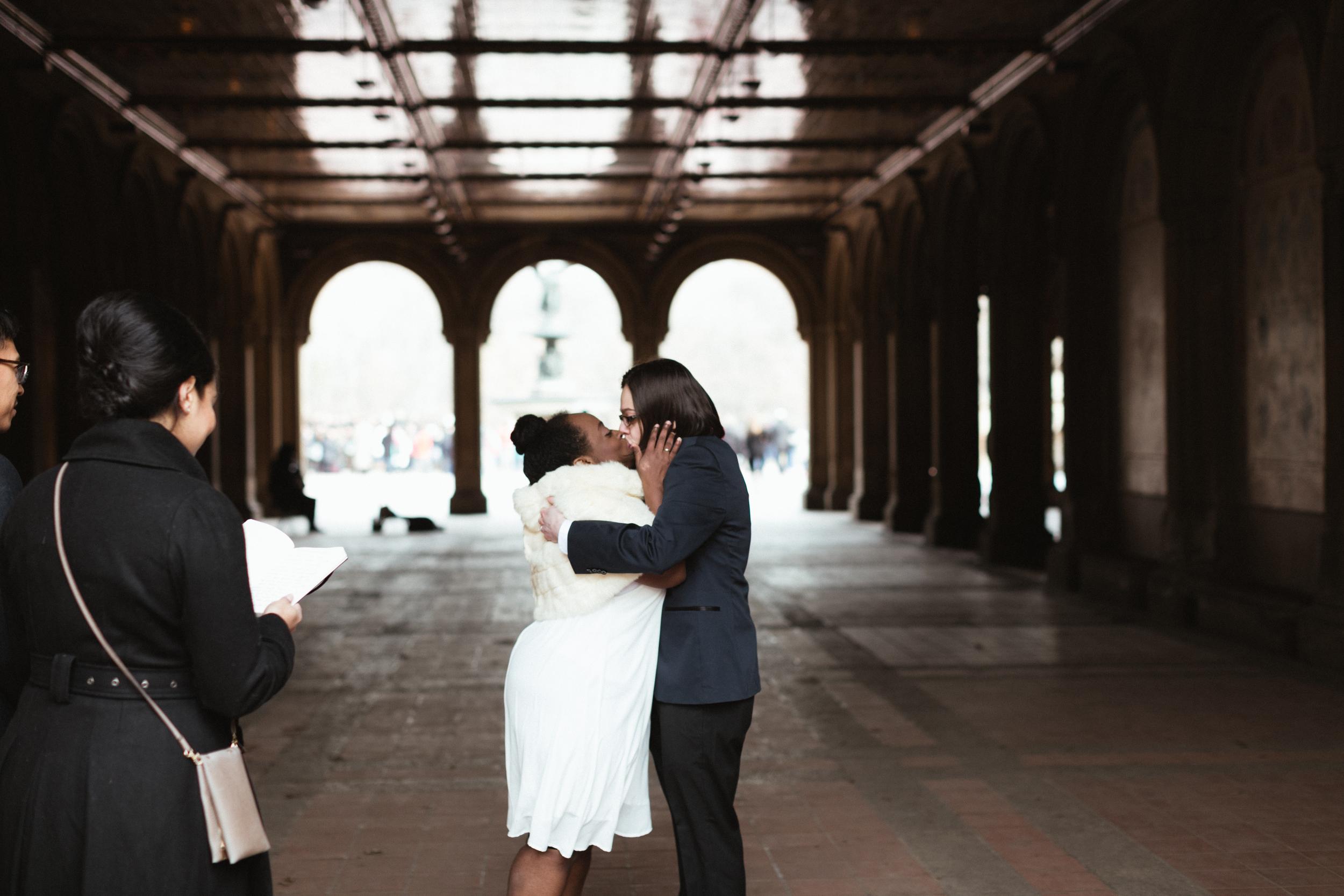 Ash Carr Wedding Photography New York kiss