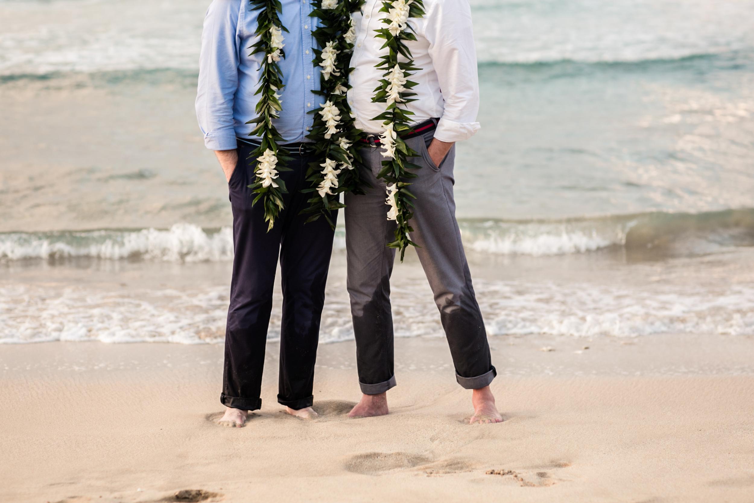 Lisa25 Wedding Photography couple by ocean