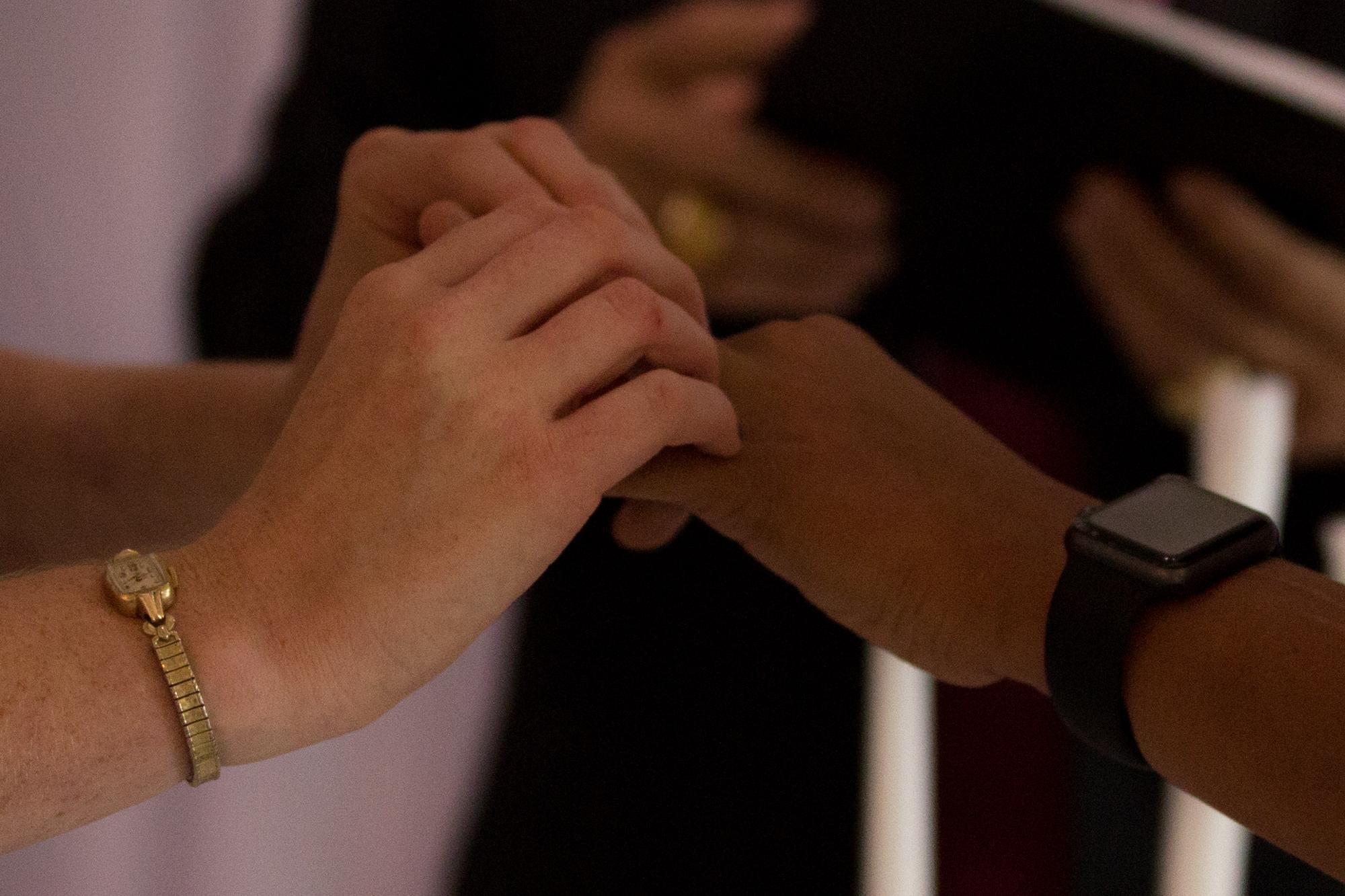 Colleen Stavrakos Wedding Photography exchanging rings
