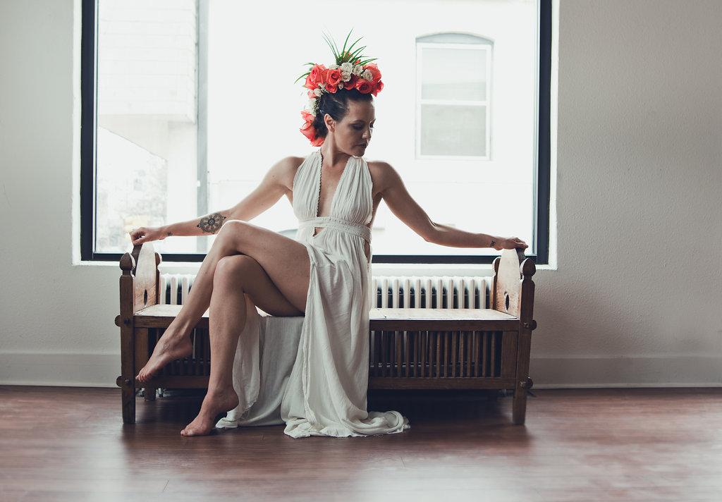Lisa Rundall Wedding Photography Colorado model on bench