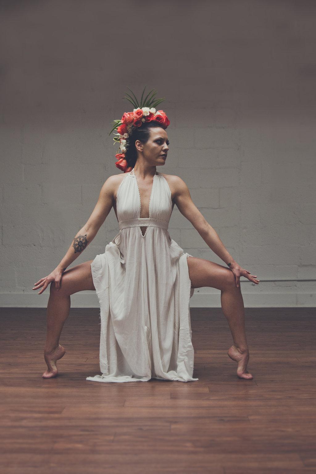 Lisa Rundall Wedding Photography Colorado model doing leg-spread pose