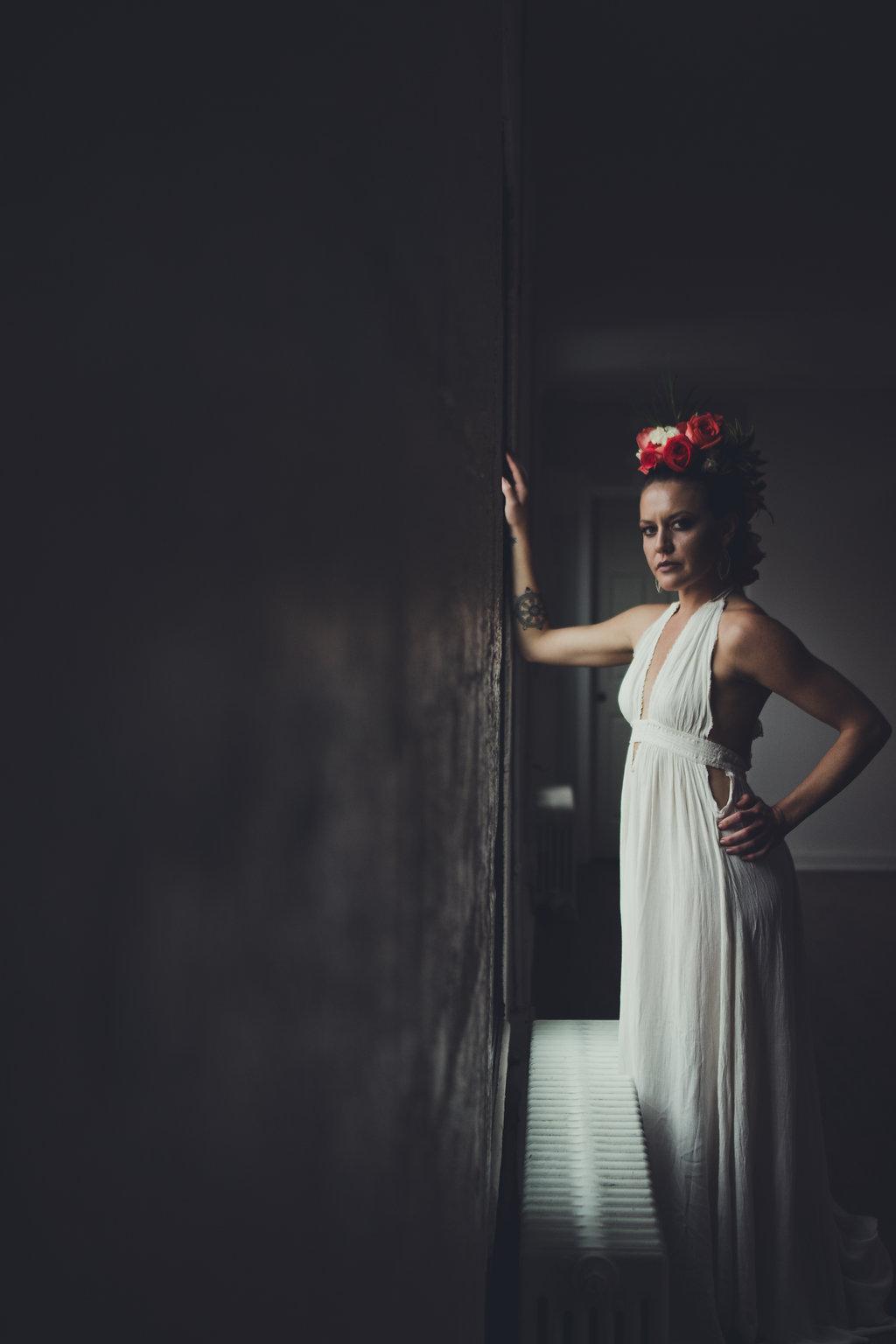 Lisa Rundall Wedding Photography Colorado model with hand on wall