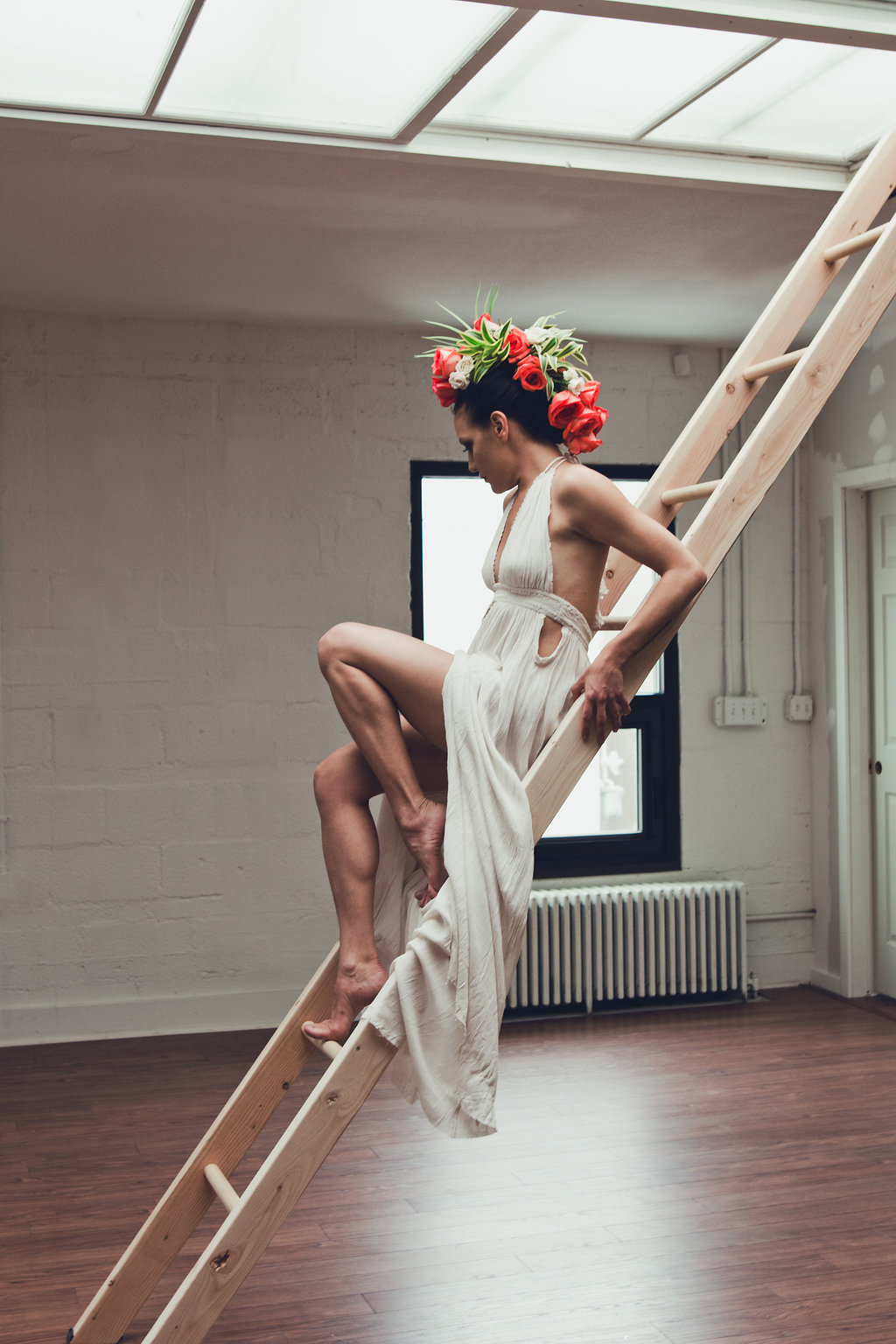 Lisa Rundall Wedding Photography Colorado model sitting on ladder