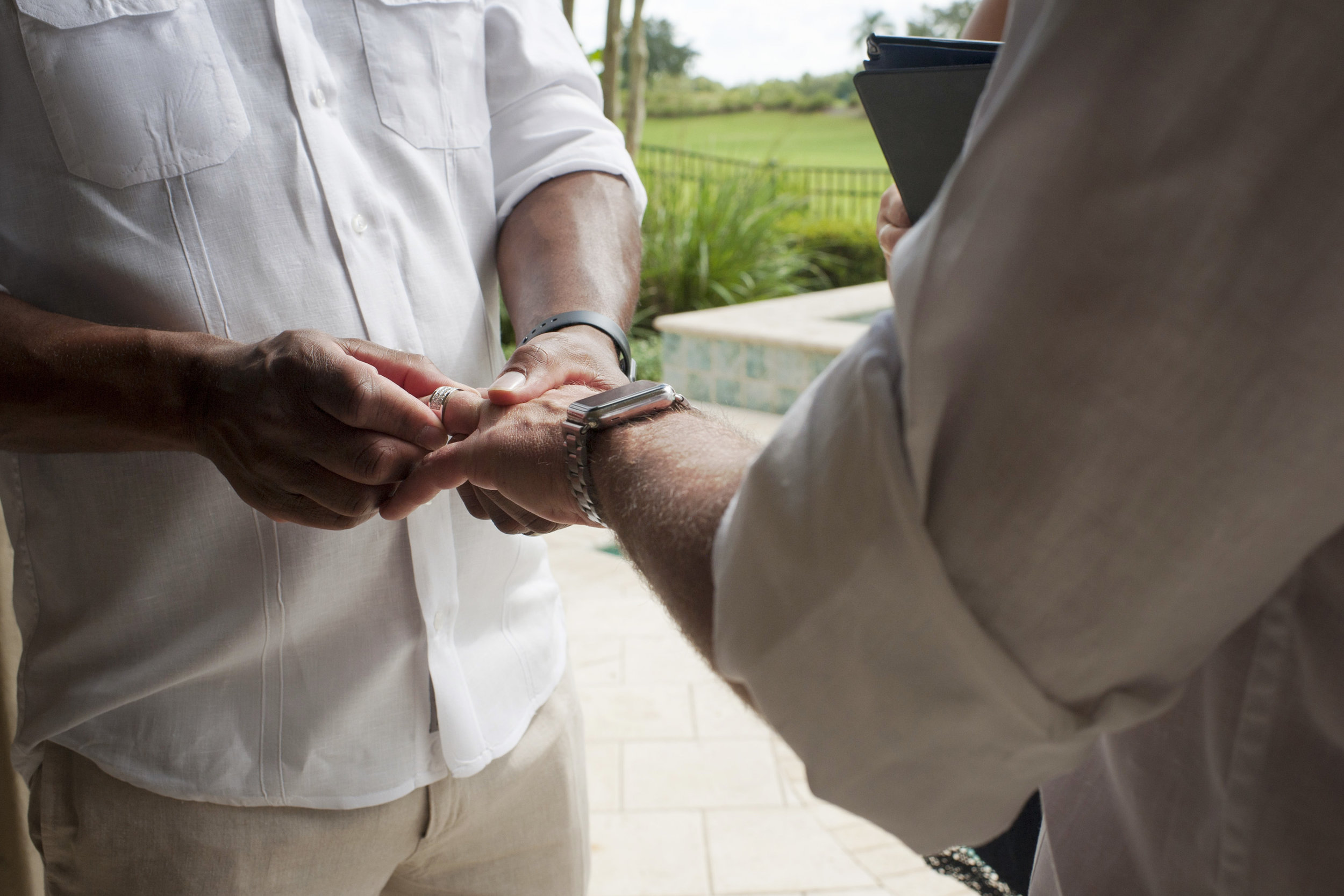 The Canovas Photography exchanging rings
