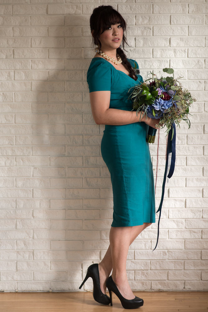 Buffy Goodman Wedding Photography pose with bouquet