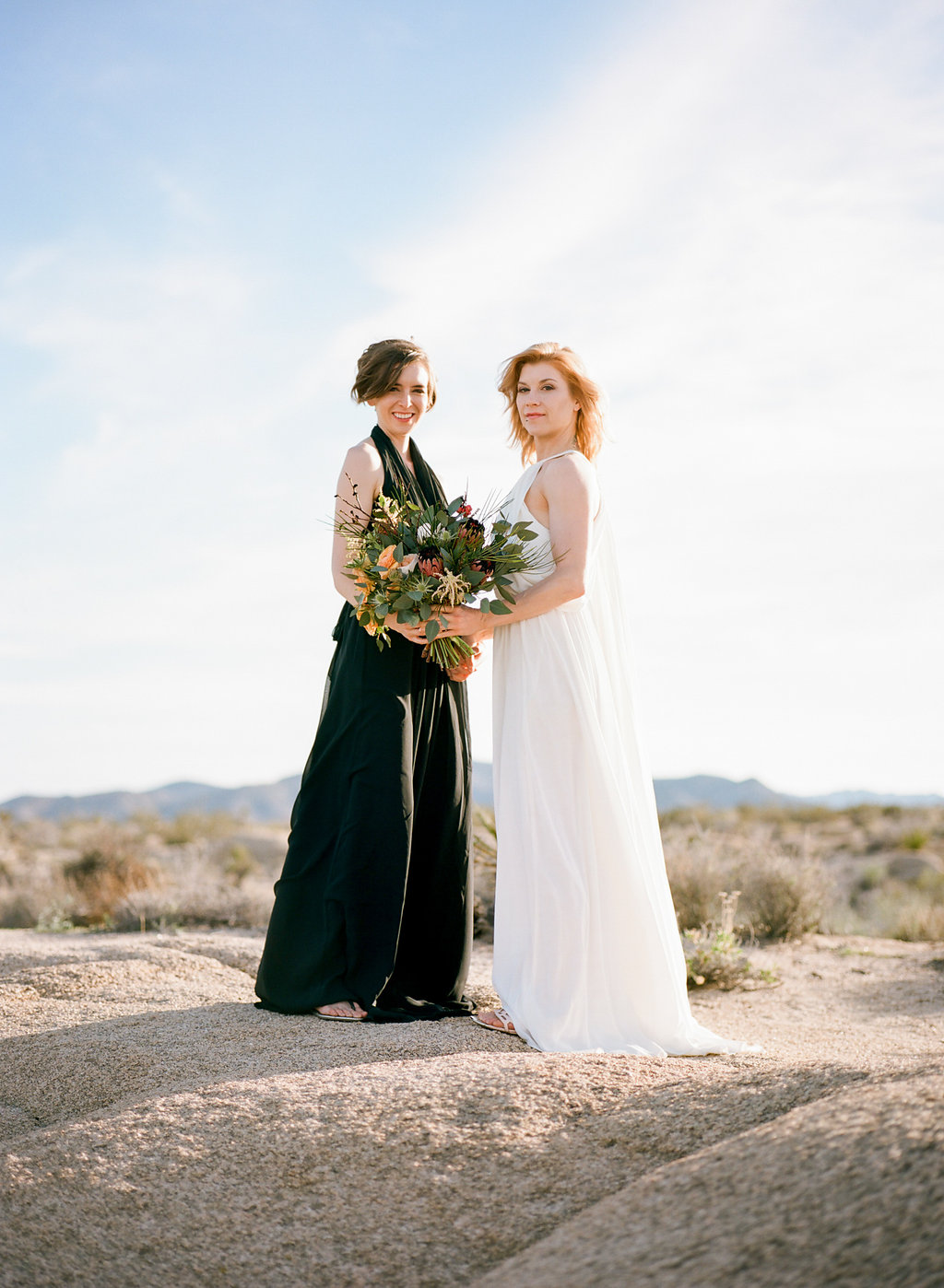Jessica Schilling Wedding Photography couple with bouquet