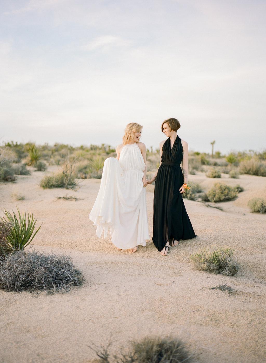 Jessica Schilling Wedding Photography couple walking