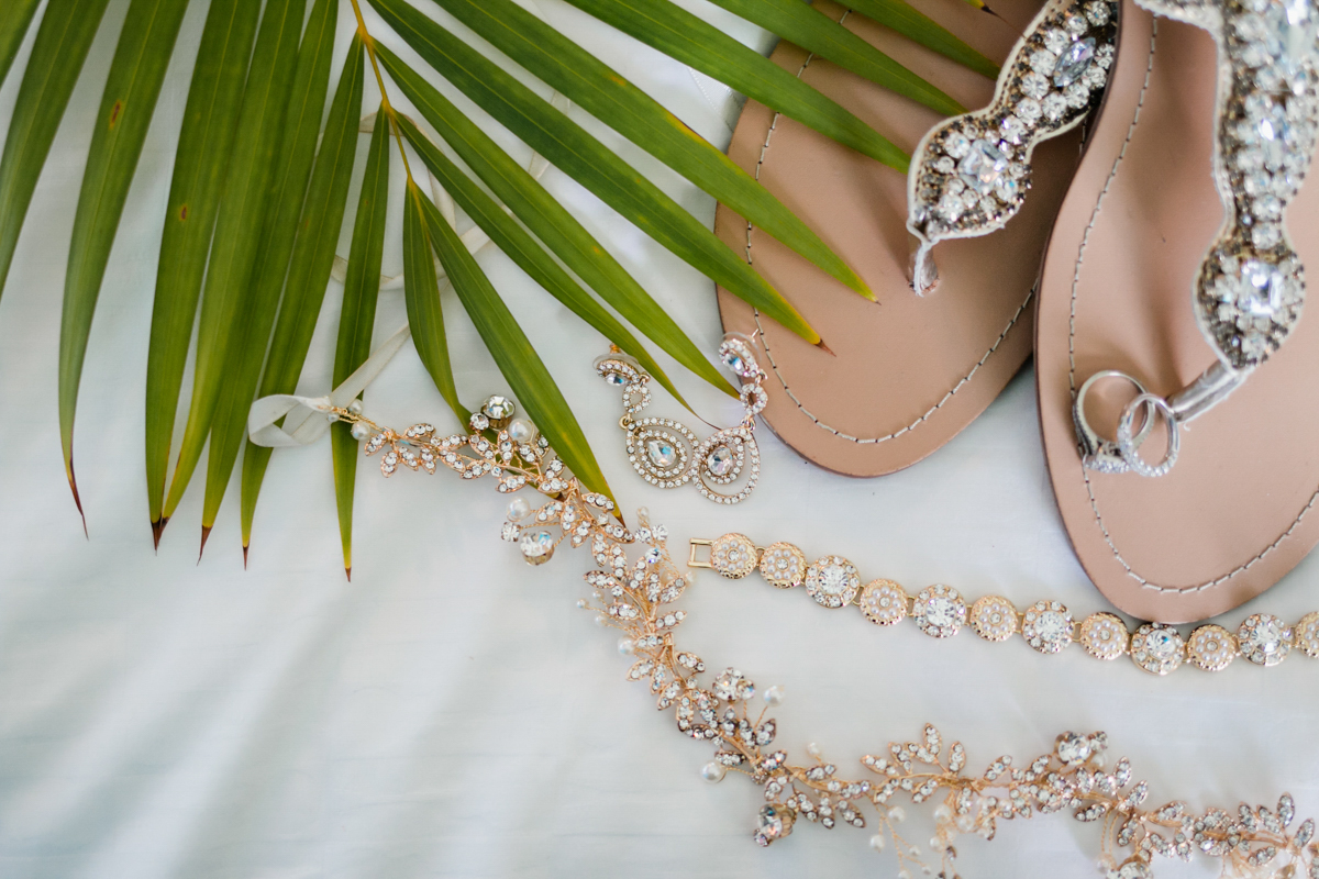 beach wedding bridal details