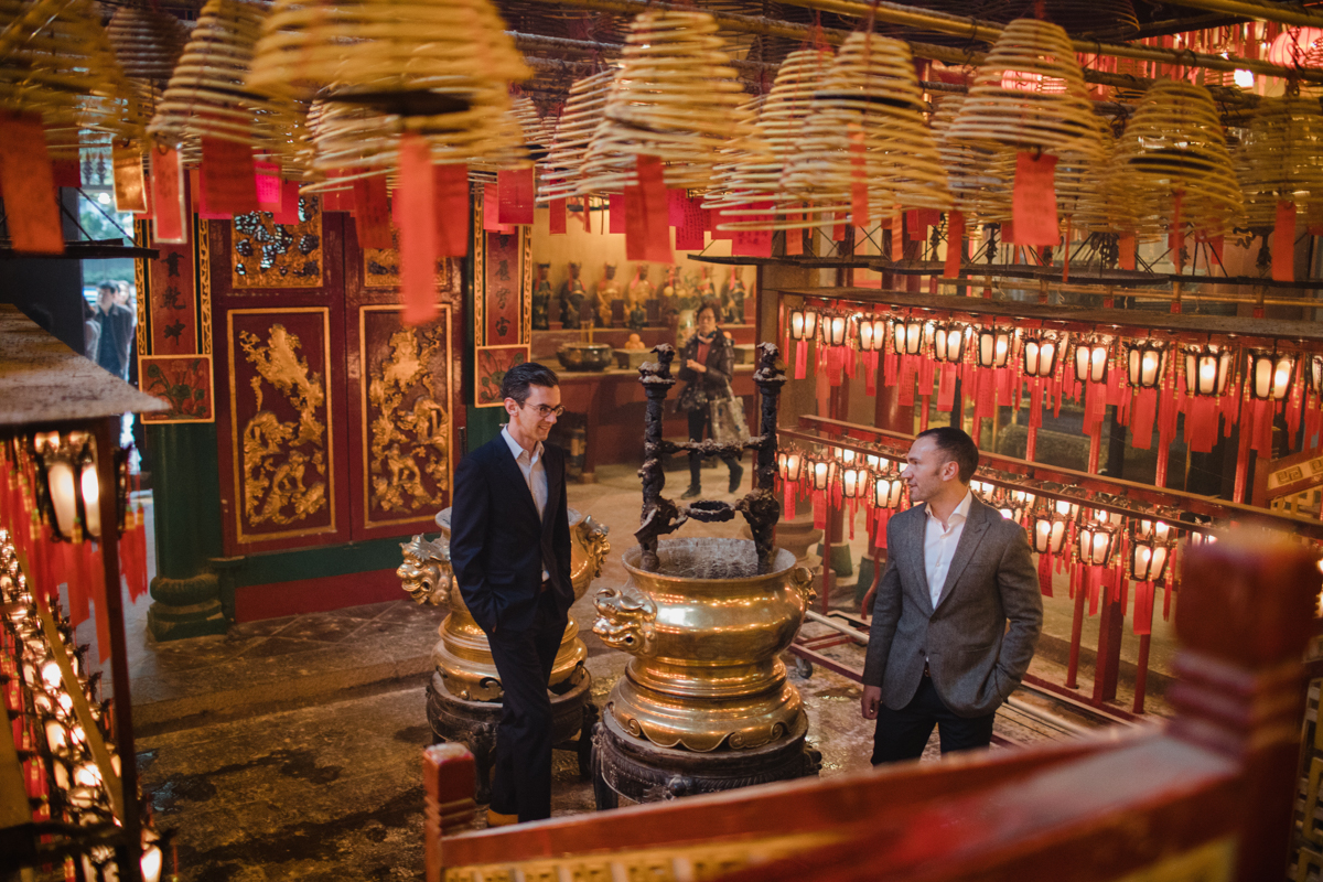 engagement session in a Buddhist temple