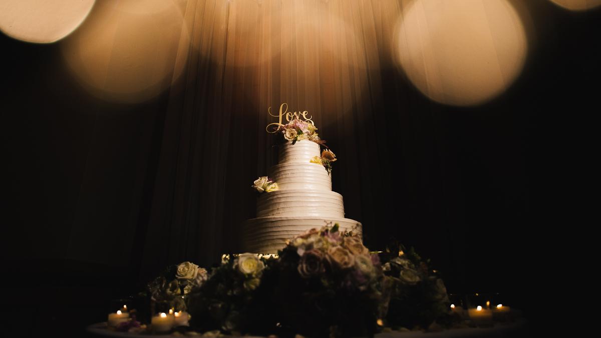 mount vernon ballroom wedding wedding cake