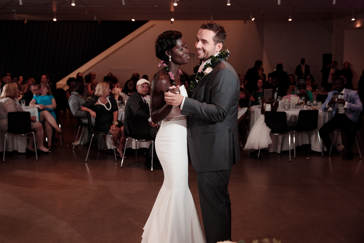 Glam cleveland museum wedding couple's first dance