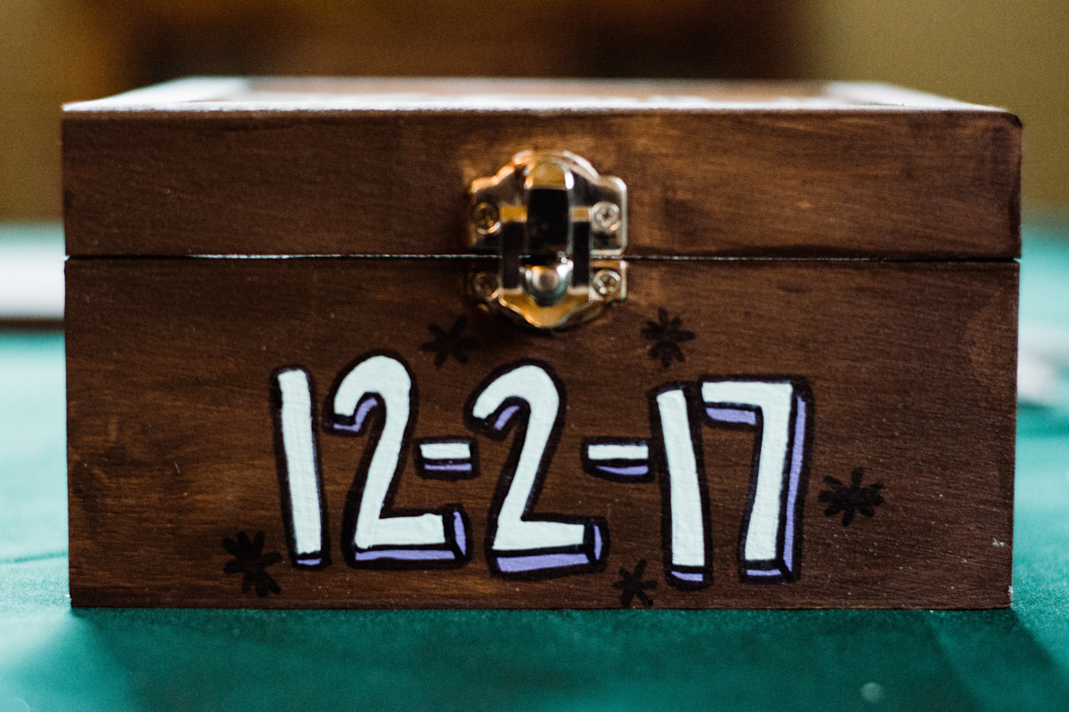 Rustic italian wedding card box with painted wedding date