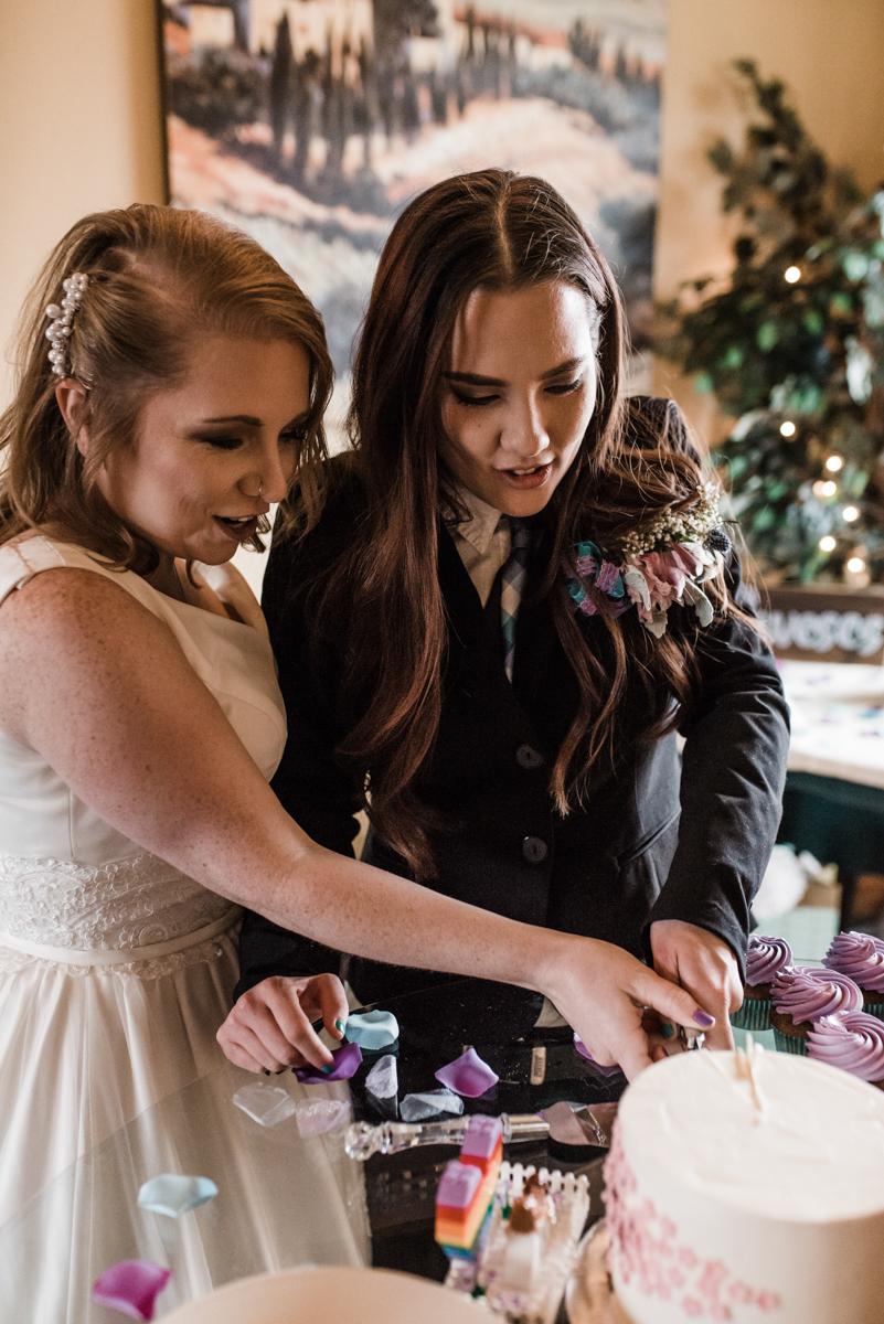 Rustic italian wedding cutting cake