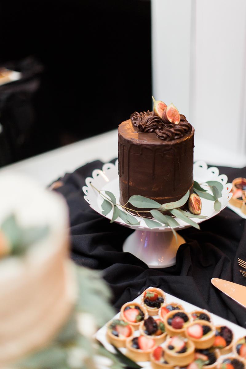 Saint augustine wedding smaller wedding cake and desserts