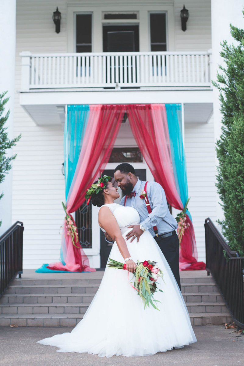 B ohemian Styled Shoot groom dipping bride