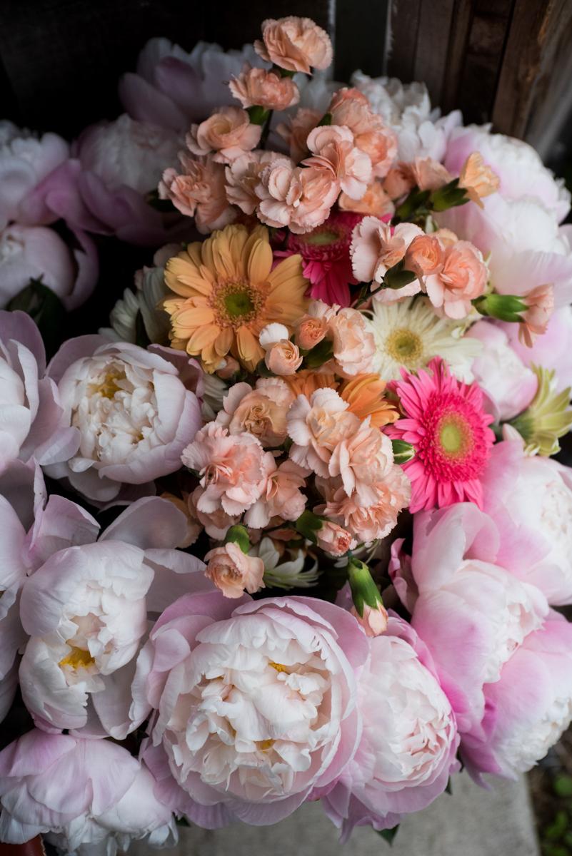 saratoga springs wedding floral arrangement